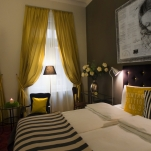 golden-stars-deluxe-budapest-apartments-bedroom-area-2