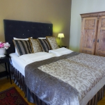 golden-stars-royal-budapest-apartments-bedroom-area-1